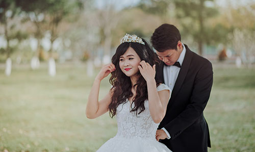 Find out what qualities Chinese women look for in their groom.